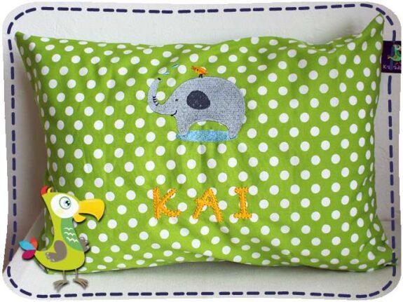KakaduKid Kissen Vogel und Elefant auf grünem Stoff