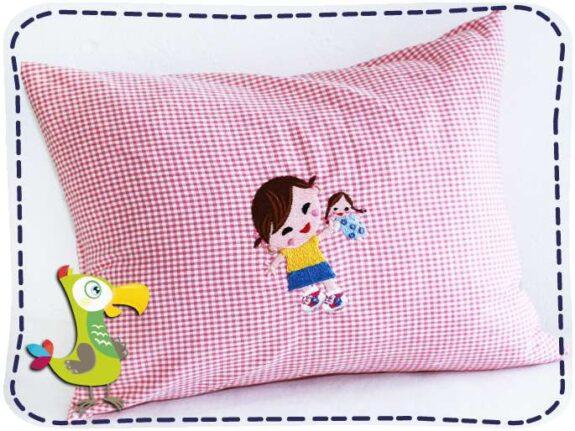 KakaduKid Girl mit Puppe Kissen
