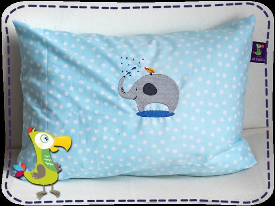 KakaduKid Kissen Vogel und Elefant auf hellblauem Stoff