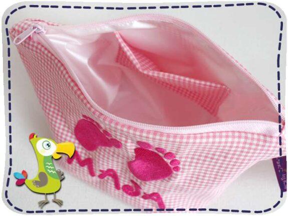 KakaduKid Babyfüßchen in rosa mit Namen bestickt - Innenansicht